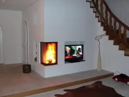 Heizkamin und Fernseher